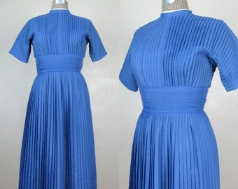 25% Off Summer Sale.... Vintage 1950s Blue Pleated Dress 50s Full Skirt Dress by Jeanne D'Arc Size 6 Medium