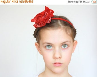 SALE Bridal hair accessories, bridesmade, flower girl accessories - felted red / white rose flower - flower necklace, bracelet
