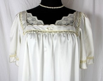 Vintage Nightgown Bert Yelin for Iris Short Sleeve Ivory Large