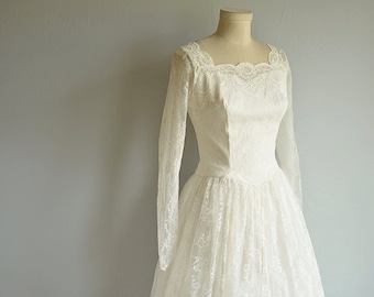 Vintage 50s Wedding Dress / 1950s Classic White Lace Princess Gown with Pearl Beads