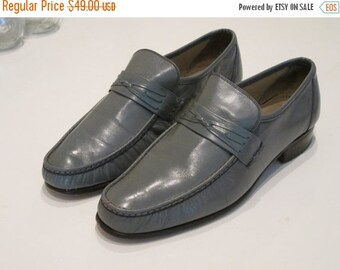 MOVING SALE Vintage Italian Style Grey Leather Loafers. Size 6. American Gentleman Brand. Made in America