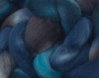Hand Dyed BFL combed top, 4oz. in Blue-Grey