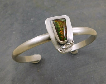 Canadian Ammolite Fossil Shell Stone Cuff, Sterling Silver, Orange Green Flash Shell Stone Bracelet