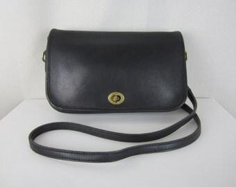 Vintage Coach Messenger Saddlebag - Black Leather Shoulder Bag - Crossbody Saddle Bag - Made in USA - Womens Fashion Designer Bag