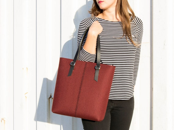 Felt TOTE BAG / leather straps / maroon / felt women's bag / wool felt / made in Italy