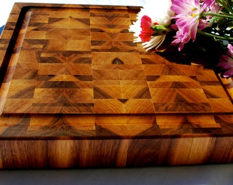 Custom Handmade Holiday Present! End Grain Butcher Block with JUICE GROOVE! Beautiful Designs! Great gift idea!