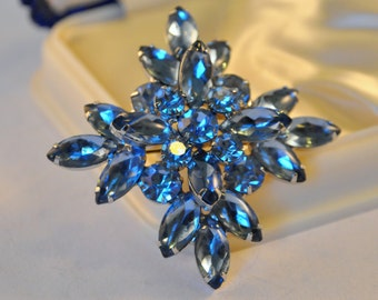 Vintage Juliana style blue Blue Rhinestones stacked design - High End