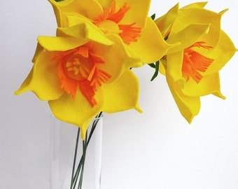 Felt flower bouquet, alternative bouquet, spring bouquet, yellow bouquet, daffodil bouquet, spring flowers, daffodil flowers