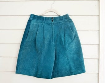 Vintage 1970s or 1980s teal suede shorts / Medium vintage suede shorts / Large vintage suede shorts / blue-green leather shorts