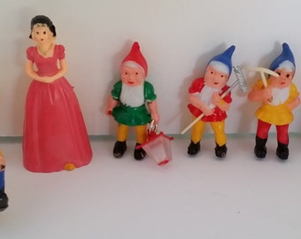 Vintage Party Cake Decorations -- Snow White and 6 Dwarfs / Dwarves
