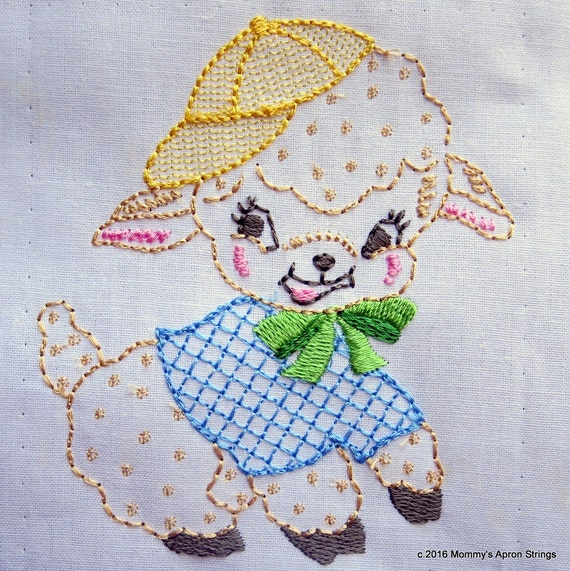 Vintage baby lamb machine embroidery design hoop