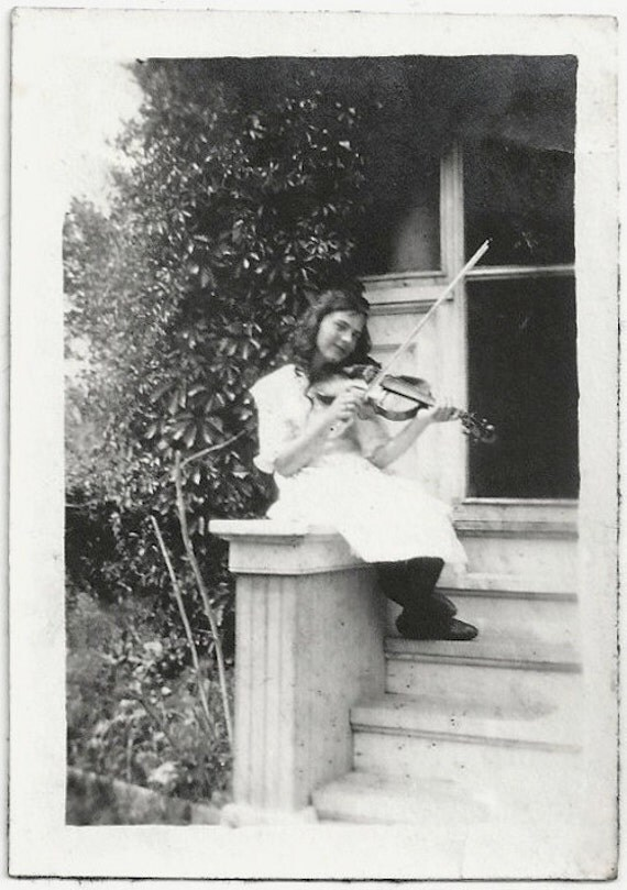 Old Photo Teen Girl on Porch Steps playing Violin 1910s Photograph snapshot vintage