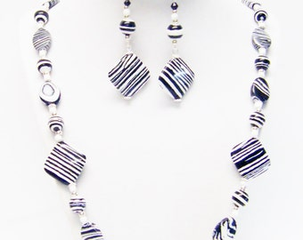 Black/White Zebra Stripe Glass Bead Necklace/Earrings Set