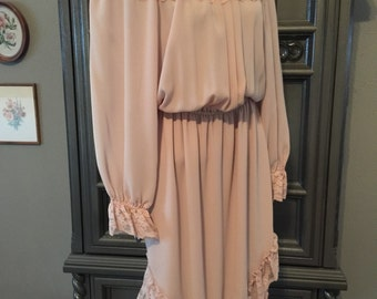 70s Mauve Peasant Neckline Dress