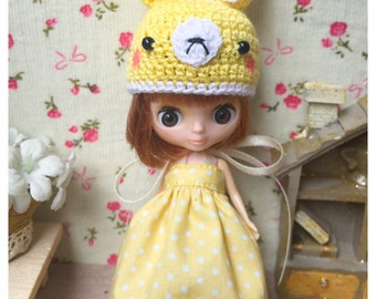 "Petite Blythe / Little Dal Outfit : ""Yellow Rabbit Set"" (Dress and Crochet hat)"