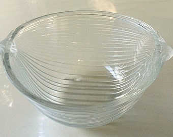 Vintage Ribbed Glass Bowl, swirl glass bowl, clear glass serving dish, vintage footed glassware housewares, handled bowl, deep dish. df16530