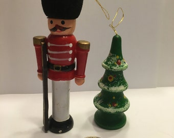 2 Vintage wood Christmas ornaments, 75 -120 mm (BR14)