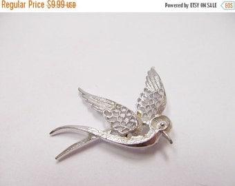 ON SALE Vintage Silver Tone Bird in Flight Pin Item K # 1442