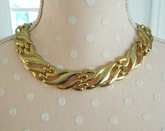 Necklace Gold Tone Career Choker Style