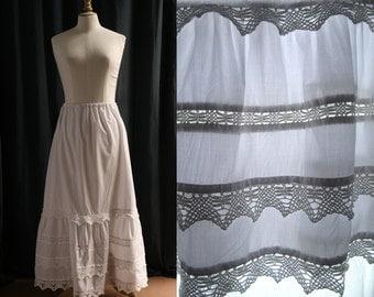 Long white skirt (or petitcoat), crochet trims, Boho style, Vintage 1970's