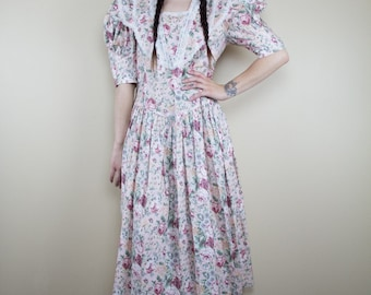 A Queen's Wallper Vintage Dress