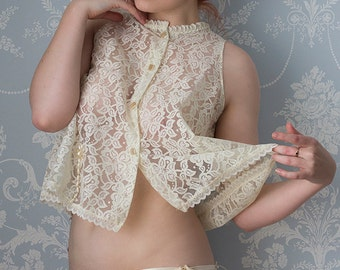 Vintage babydoll set made from floral lace circa 1970s