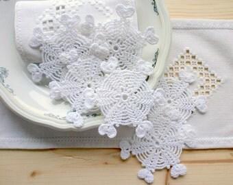 Handmade Christmas snowflakes, Crochet snowflake ornaments, white lace snowflakes, wall hanging, Christmas tree ornaments