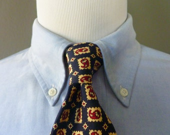 Vintage POLO by Ralph Lauren for Saks Fifth Avenue 100% Silk Framed Paisley Foulard Patterned Trad / Ivy League Neck Tie.  Made in USA.