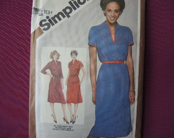 vintage 1980s Simplicity sewing pattern 9849 womens pullover dress or two piece dress plus size 44