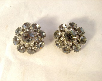 Sparkling Smoky Gray Rhinestone Clip Earrings, Unsigned, Silver Tone Metal