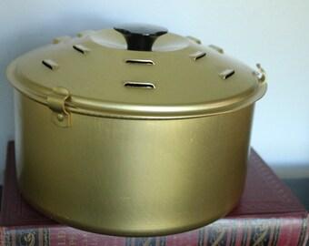 """Wide Vintage Rival Crock Pot Bread N Cake Bake Pan, 7.5"""" wide"""