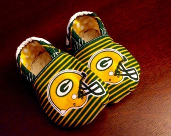 Green Bay Packers Booties. Available in  0-18mo.