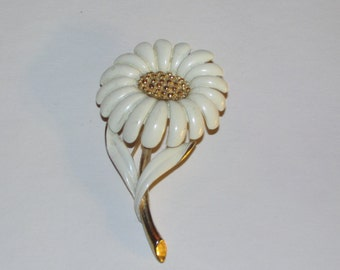 Vintage Signed Monet White Enamel Daisy Pin Brooch