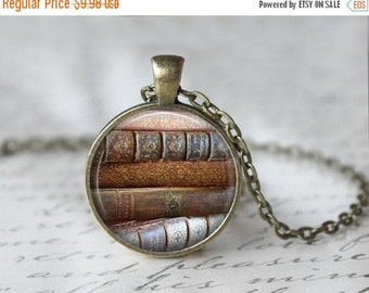 Book Lover Necklace - Book Necklace - Book Jewelry - Book Lover Jewelry - Librarian Jewelry - Gift for Reader - Graduation Gift - Reader L8