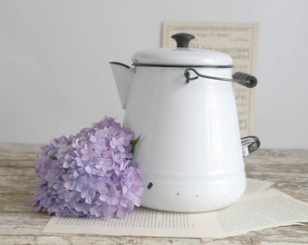 Vintage Enamel Coffee Pot, Large White Enamel Coffee Pot, Farmhouse Kitchen, Rustic Home Decor, Enamelware Coffee Pot with Lid