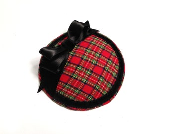 Head piece fascinator pin up Tartan Scottish red black