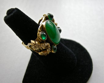 Vintage COCKTAIL RING Chunky Ornate Floral Setting & Emerald Green Glass Stones  1950's