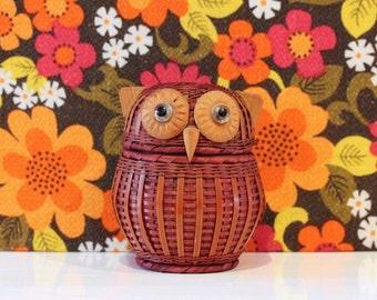 Vintage Retro Owl Basket Cute Kitsch Retro