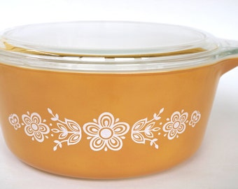 Vintage Pyrex Butterfly Gold Pattern Covered Casserole Dish #475 2.5 Quart Size