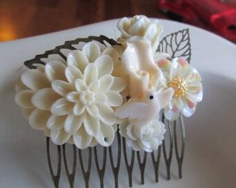 Cream Floral Hair Comb, Bridal Hair Comb