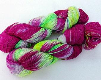 Handpainted Sock Yarn, 75 Wool  superwash, 25 Nylon 100g 3.5 oz.  Nr. 333