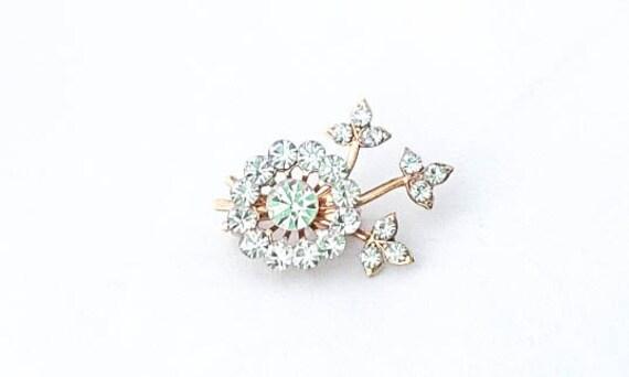 Vintage Clear Rhinestone Crystals Flower brooch pin