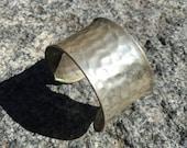 VINTAGE Metal Wide Hammered Cuff