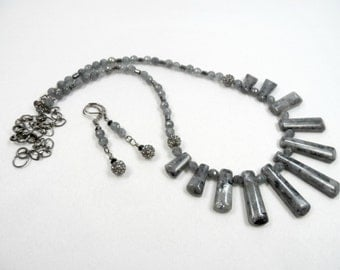 "Graduated Labradorite Beaded Necklace and Earring Set in Gunmetal - 22"" length with extender"
