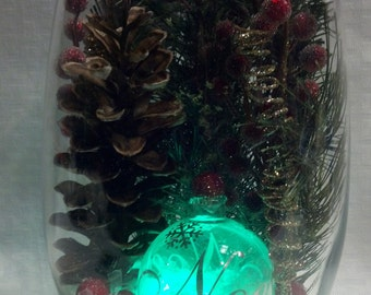 Christmas vase/glowing ornament/pinecones/sugered red beads/NOEL ornament/submersible color changing led light/snowy vase/Christmas decor