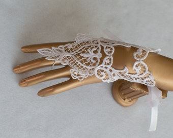 Lace Gloves - Lace Wedding Gloves - Vintage Lace Wedding Cuffs - Embroidered Lace Gloves - Bridal Gloves - Bridal Accessories - Lace Cuffs