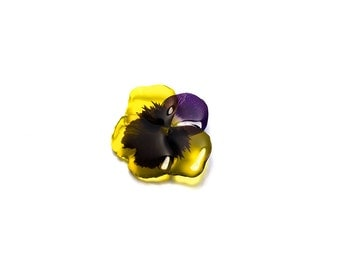 Yellow pansy brooch. Comes in a gift box.