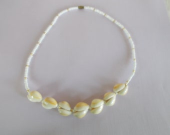 Vintage Seashell Glass Bead Necklace  // 21