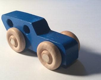 Handmade Blue Wooden Wood Toy Car, child safe, push toy, Spielzeugauto, juguete de madera, holz, Jouet bois