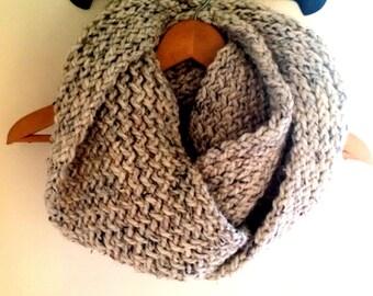 Chunky Knit - Handmade - Infinity Scarf - 'Oatmeal'/ Flecked Cream